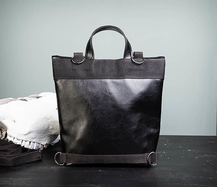 BAG462-1 Небольшая мужская сумка - рюкзак из кожи черного цвета фото 08