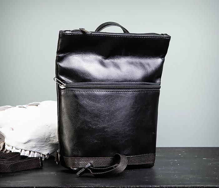 BAG462-1 Небольшая мужская сумка - рюкзак из кожи черного цвета фото 09