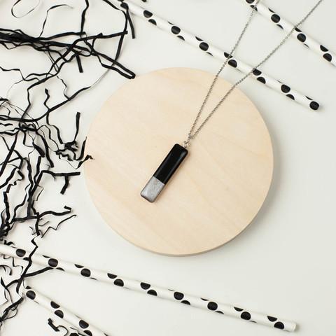 Кулон палочка прямоугольный черно-белый двухсторонний