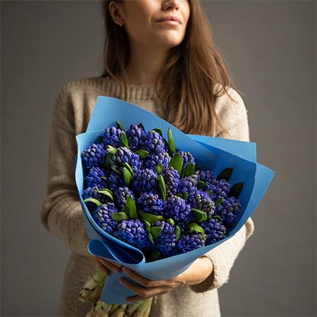 Купить шикарный вип букет 25 синих гиацинтов в Перми