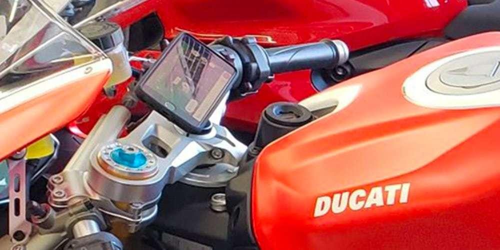 Крепление на вынос руля мотоцикла SP Connect Moto Stem Mount на ducati
