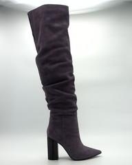 Фиолетовые ботфорты из велюра на высоком каблуке