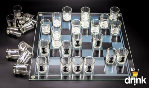 Шахматы со стопками, шашки, карты