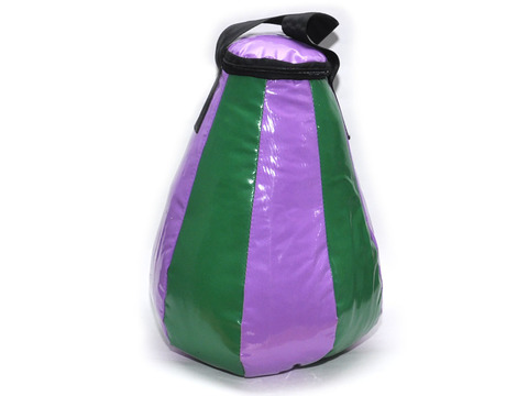 Груша боксерская капля. Вес 5 кг. Материал: армированный двусторонний ПВХ.