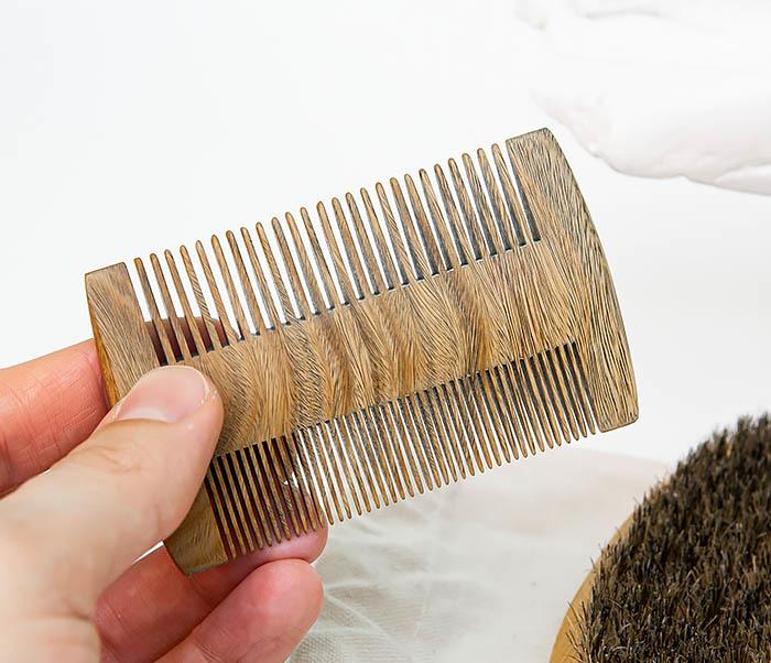 RAZ494 Набор: гребень и расческа для бороды с мешочке фото 06