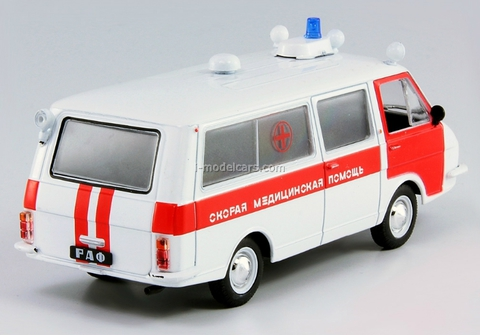 RAF-22031 Ambulance USSR 1:43 DeAgostini Service Vehicle #61