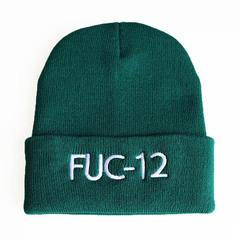 Вязаная шапка с отворотом и вышивкой Билли Айлиш, FUC-12 (Billie Eilish) зеленая