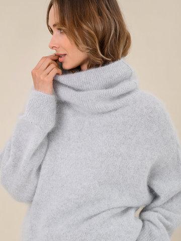 Женский свитер светло-серого цвета из ангоры - фото 3