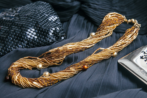 Бисерное ожерелье из 24 нитей золотисто-янтарное