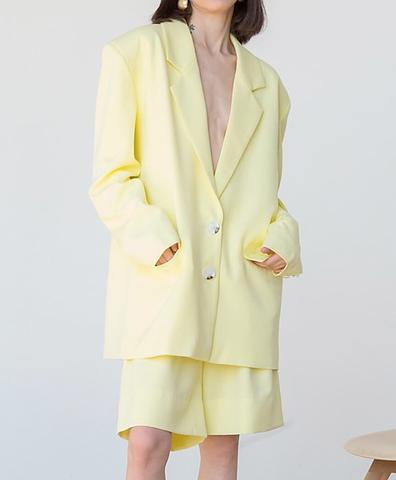 Жакет с большим плечом желтый