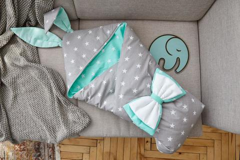 Конверт одеяло на выписку новорожденных из роддома с ушками Зайки (Серо-мятный)