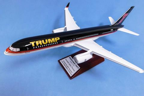 Модель самолета Boeing 757-200 (М1:100, TRUMP)