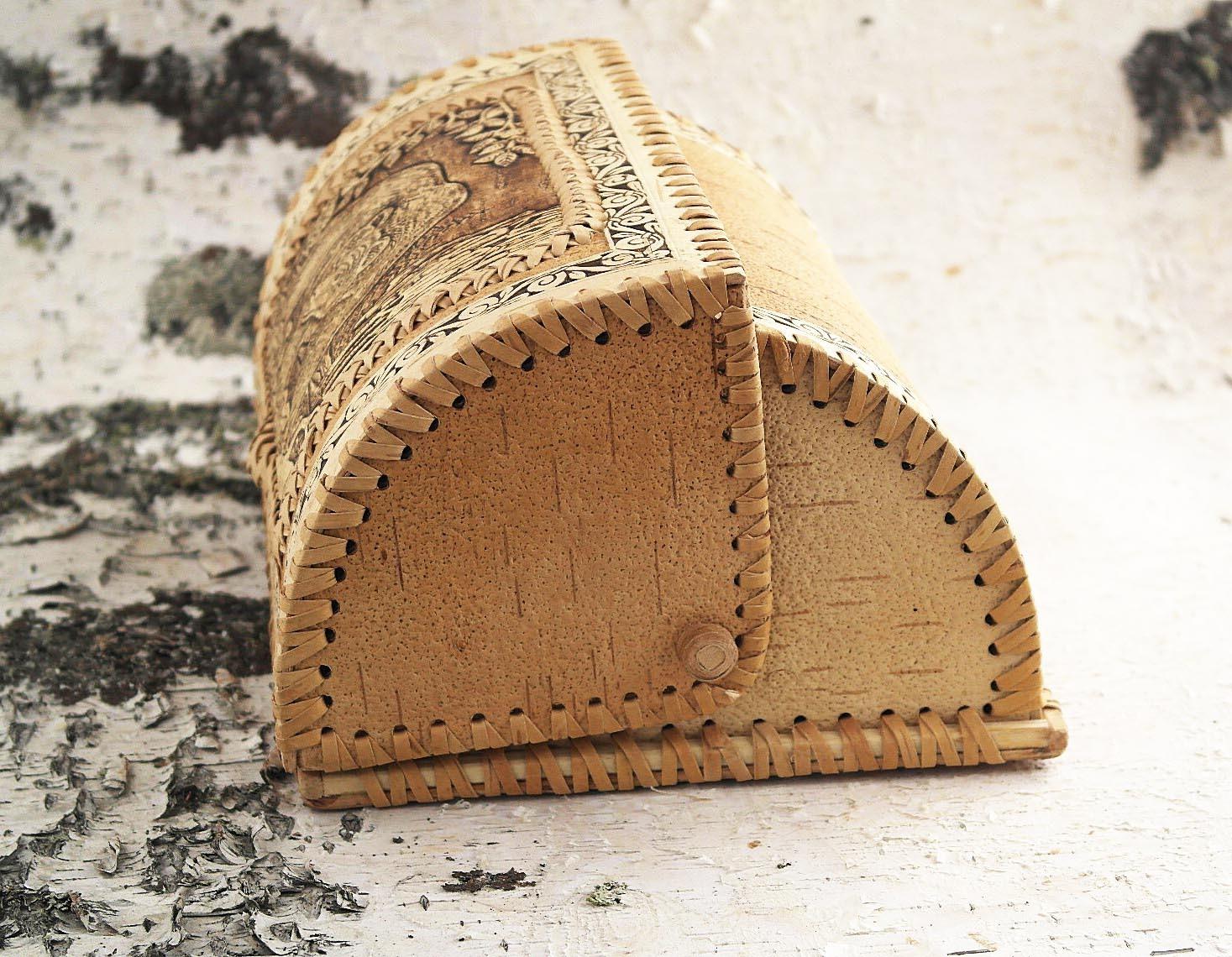 Хлебница на бересте с боку