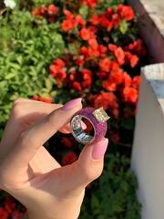 Роскошное кольцо из серебра с жёлтым кварцем и рубиновыми цирконами