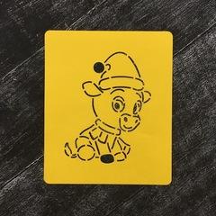 Бык №24 в шарфе и шапочке