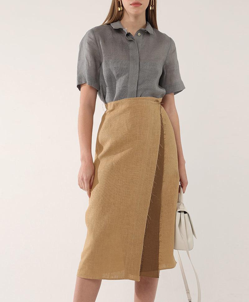 Бежевая юбка с запахом