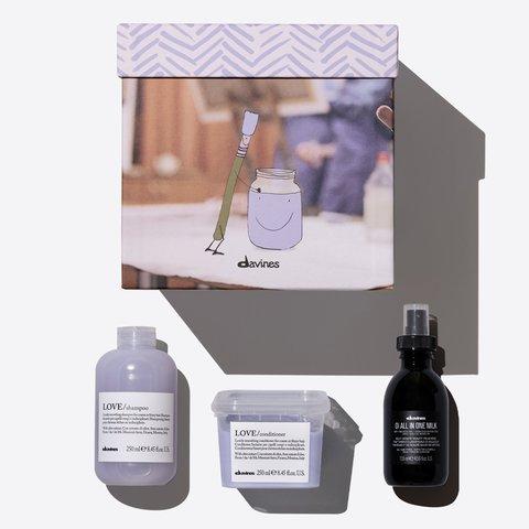Набор LOVE SMOOTHING Gift box (LOVE/шампунь для разглаживания завитка 250 мл, LOVE/кондиционер для разглаживания завитка 250 мл, OI многофункциональное молочко 135 мл)