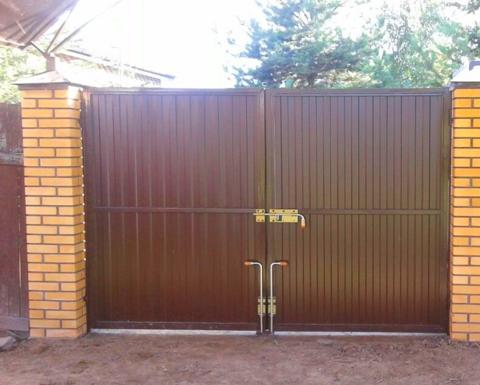 Распашные ворота из профнастила 3500Х2000