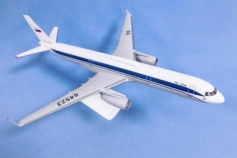 Модель самолета Ту-214 (М1:100, ФСБ России)