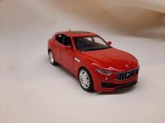 Металлическая BMW M4  красная