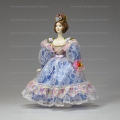 Кукла в светском костюме 30-х годов середины 19 века