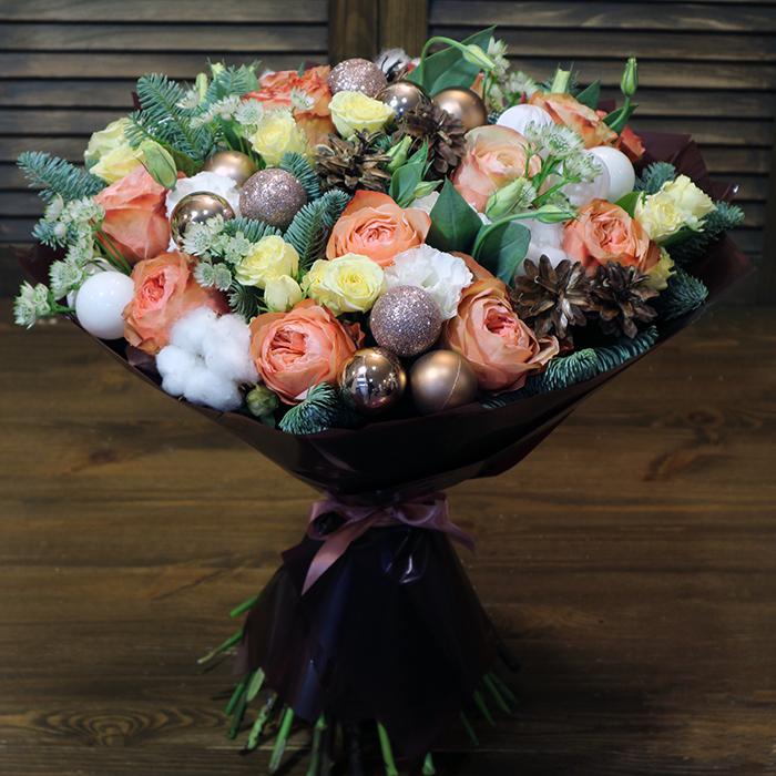 Купить новогодний зимний букет в Перми КОРОЛЕВСКИЙ с розой Кахала