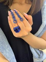 Крупное кольцо с синими микроцирконами в стиле Grisogono
