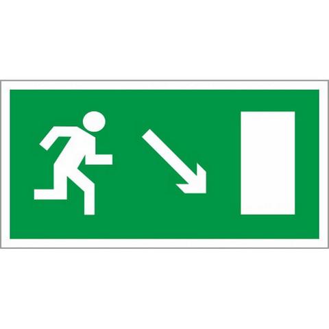 E07 Направление к эвакуац.выходу направо вниз (пленка ПВХ, ф/л, 150х300)