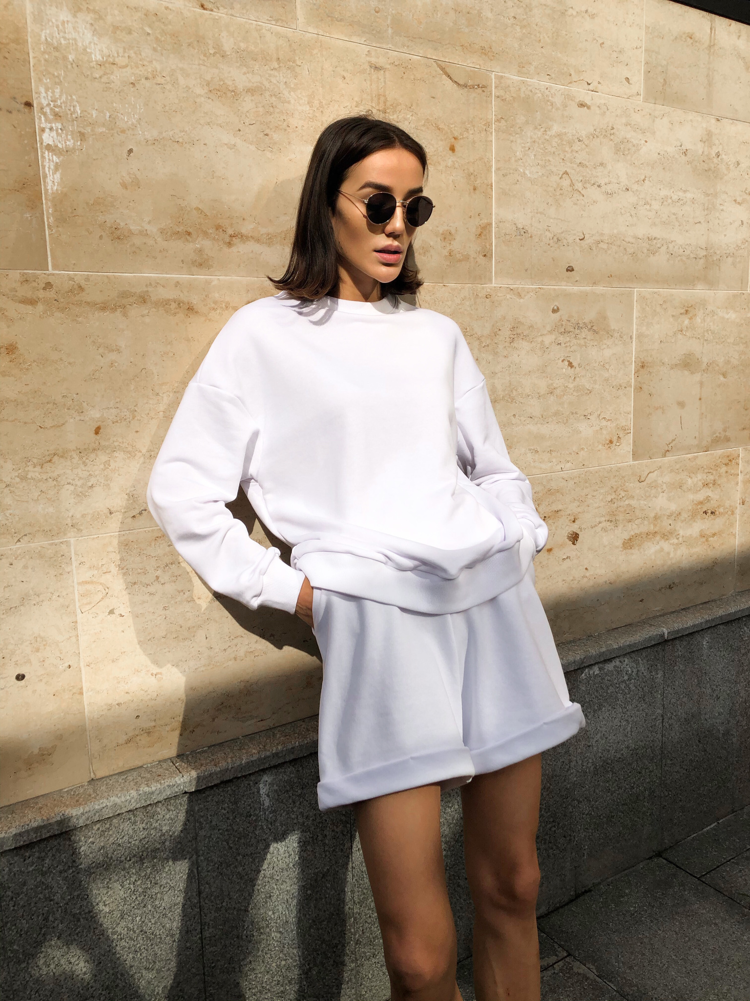 Спортивный костюм с шортами (белый)