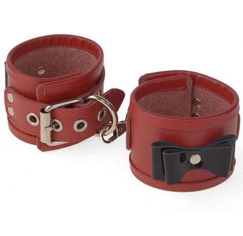 Красные наручники с черными лаковыми бантами