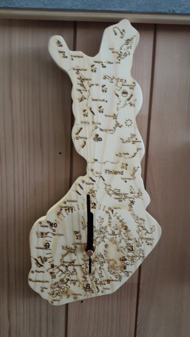 Часы: Часы в форме карты Финляндии SAWO 197-D-FI (кедр)