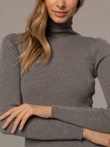Женский свитер светло-серого цвета из 100% шерсти - фото 3