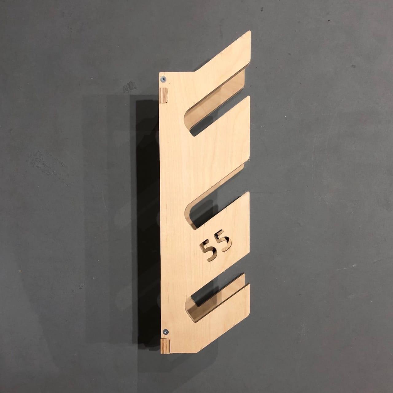 Крепеж настенный для трех дек 55