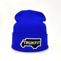 Вязаная шапка с вышивкой TRUKFIT голубая
