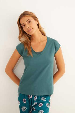 Зелена бавовняна футболка з короткими рукавами і мереживом