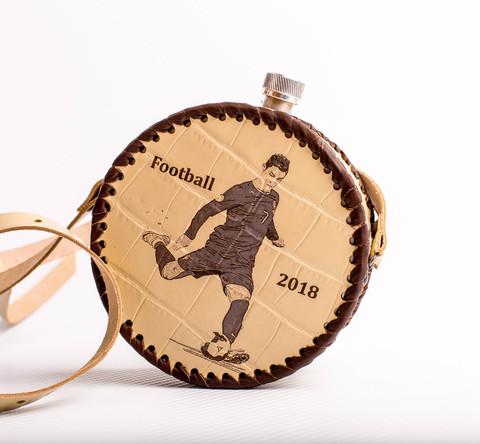 Фляга круглая в кожаном чехле «Football-2018», 0,5 l