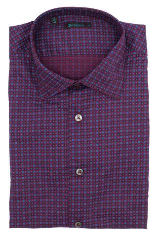 Бордовая рубашка с частым синим геометрическим рисунком