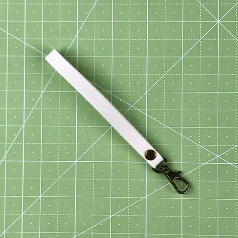 Ремешок-петля с карабином 14 см. (белый)