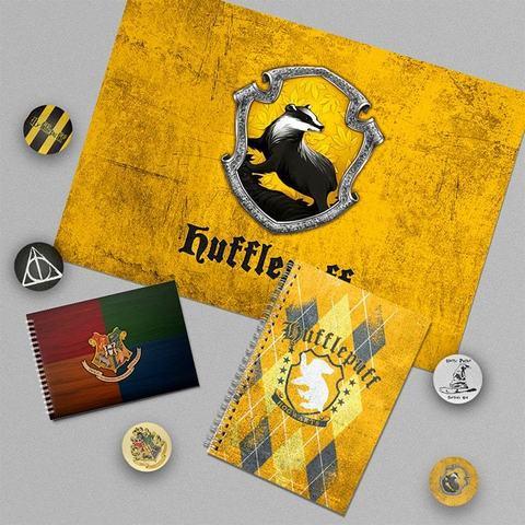 Пуффендуй: набор из плаката А3, блокнота, тетради и 5 значков