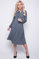 """<p>Супер популярная новинка от ELZA! Шикарное платье в романтическом стиле порадует свою обладательницу. Особое внимание приковывает бант по горловине. Приталенный силуэт, платье отрезное по талии., юбка """"полусонце"""", рукав длинный на манжете.</p>"""