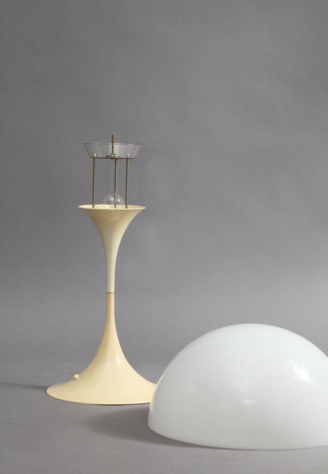 Настольный светильник копия Panthella by Verpan Panton (белый)