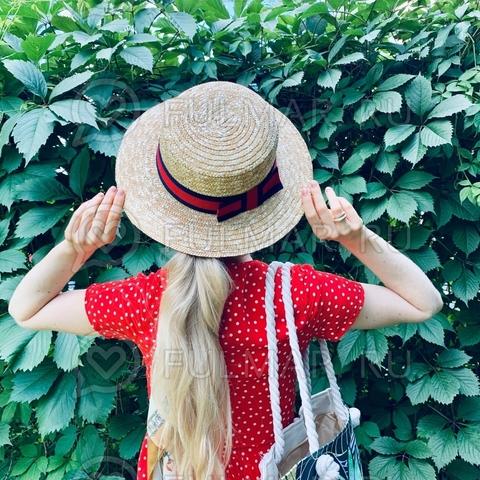 Соломенная женская шляпа канотье с лентой красно-синей