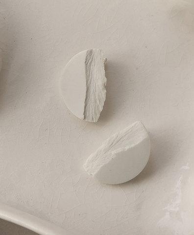Серьги CURVAS WHITE