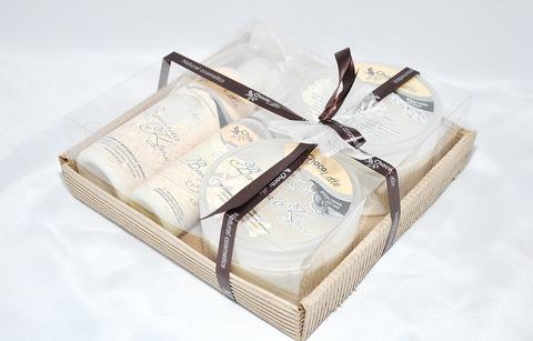 Набор подарочный №8  ВАНИЛЛА-КРИМ (пенка200мл, молочко100мл, мусс280 мл, скрабби200мл)/ТМ Chocolatte