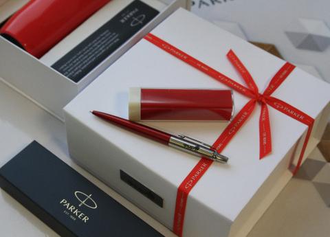 Подарочный набор с гравировкой: Термостакан и Шариковая ручка Jotter Essential, Kensington Red CT