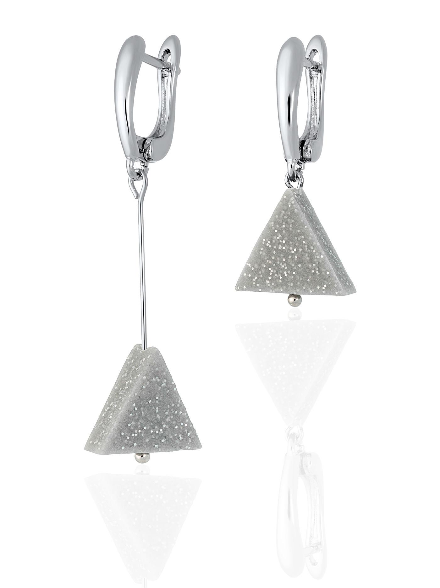Асимметричные серьги с треугольниками из полимерной глины