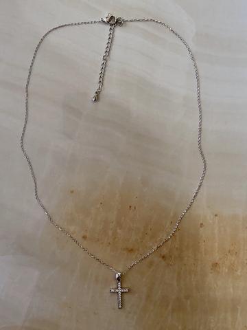 Колье Кристи с цирконами, серебряный цвет