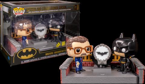Фигурка Funko Pop! Movie Moments: Batman Begins - Batman & Commissioner Gordon (Light Up Bat Signal)