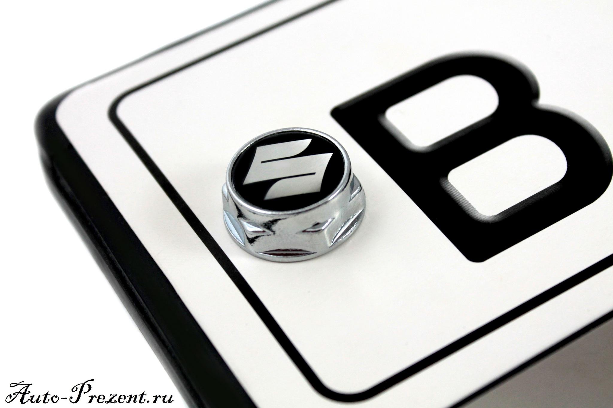 Болты для крепления госномера с логотипом SUZUKI
