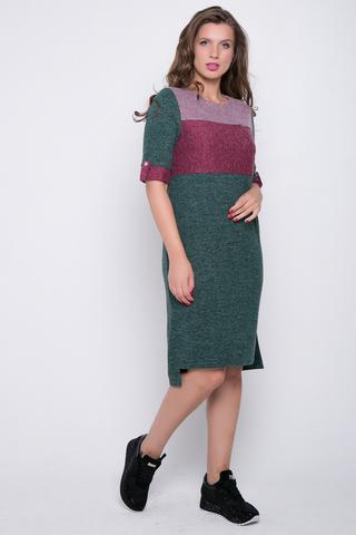 """<p>Платье из мягкой ангоры прямого силуэта. Благодаря вставкам с ярким цветовым решением, платье выгладит особенно нарядным. Кроме того, такое дизайнерское решение отлично стройнит фигуру. Вырез горловины округлый, рукав до локтя с """"патой"""" на пуговице.</p>"""